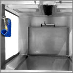 CleanLine Vario 1400 | working area with crane/brush access | Compressed air pistol and built-in basin with collection tray