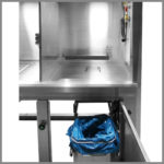 CleanLine 1800 | working area with compressed air pistol and waste disposal system