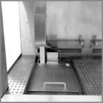 CleanLine 1800 | left-hand working area with skimmer, collecting tank and ultra sonic basin