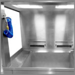 CleanLine 2600 | working area with compressed air pistol and basin